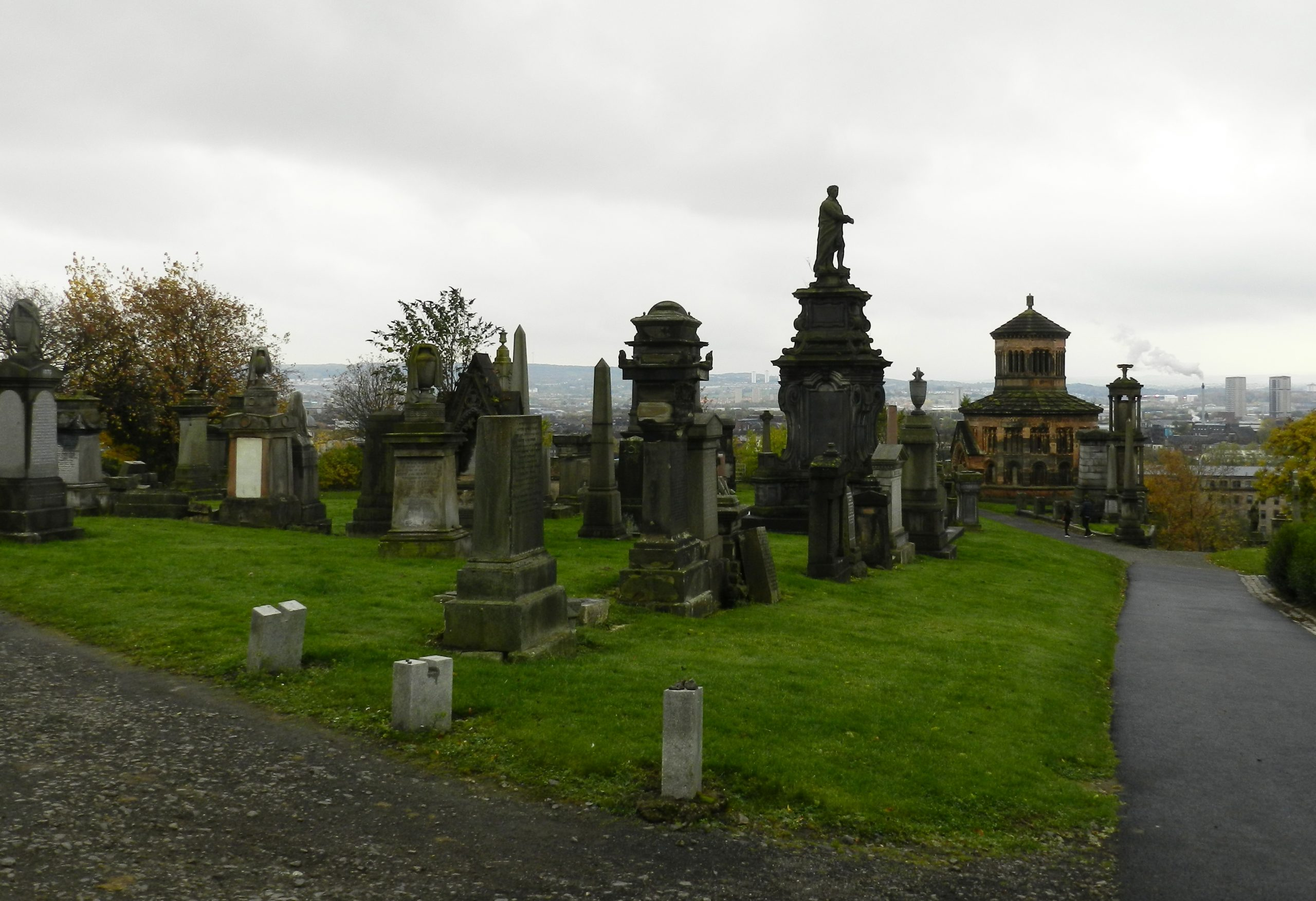 The Glasgow Necropolis: Walking (Among the) Dead